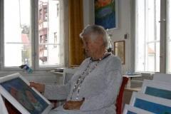 Gerda Sorger in ihrem Atelier