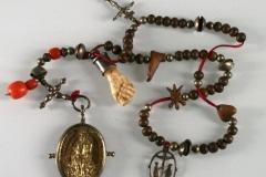 Rosenkranz mit Amulett-Anhängern